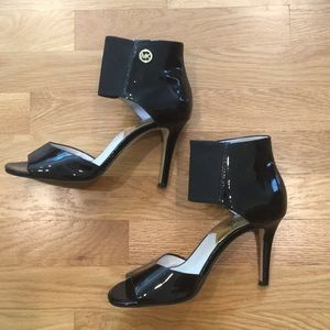 MICHAEL Michael Kors Black Patent Leather Heels